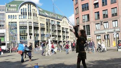 Photo: Hackescher Markt; Seifenblasen