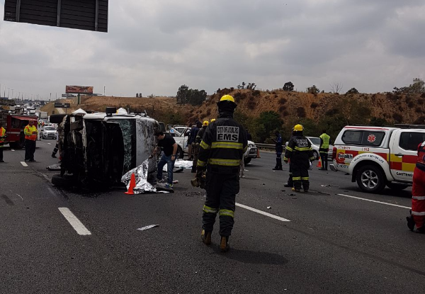 Five adults and a child were killed in a taxi crash on the N1 South, Johannesburg.