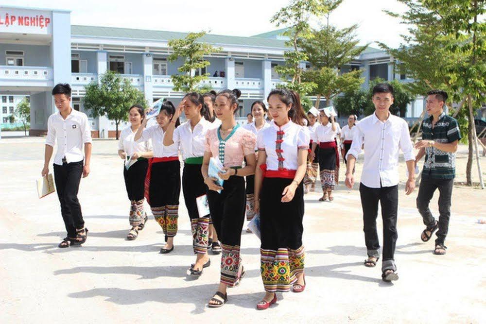 Những năm gần đây, Trường Dân tộc nội trú THPT số 2 Nghệ An có rất nhiều học sinh đỗ đại học với số điểm cao