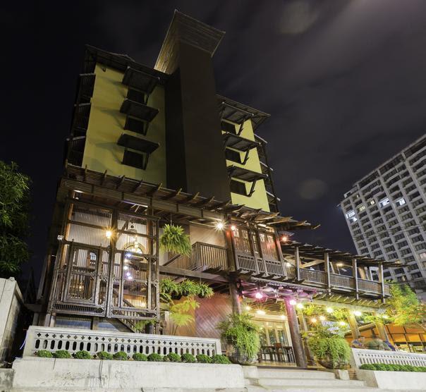 Night bazar Inn