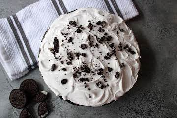 No-Bake Chocolate Oreo Pudding Pie