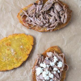 Huaraches con Carnitas