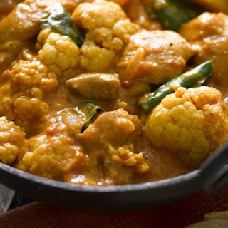 Super Quick and Easy Cauliflower and Chicken Curry