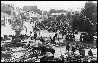 Photo: Targ na rudnickim rynku. Lata trzydzieste XX wieku. (Skan zdjęcia udostępnionego przez Panią Zofię Chmiel)