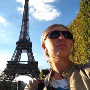 solo woman travel in paris