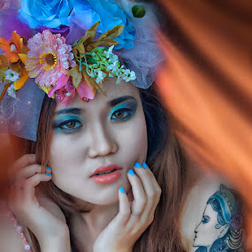 tatoo gurl by Achink Zhen - People Portraits of Women