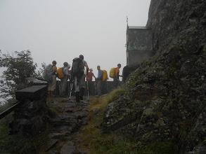 Photo: On aborde la corniche au-dessus des gorges de Clarabide.