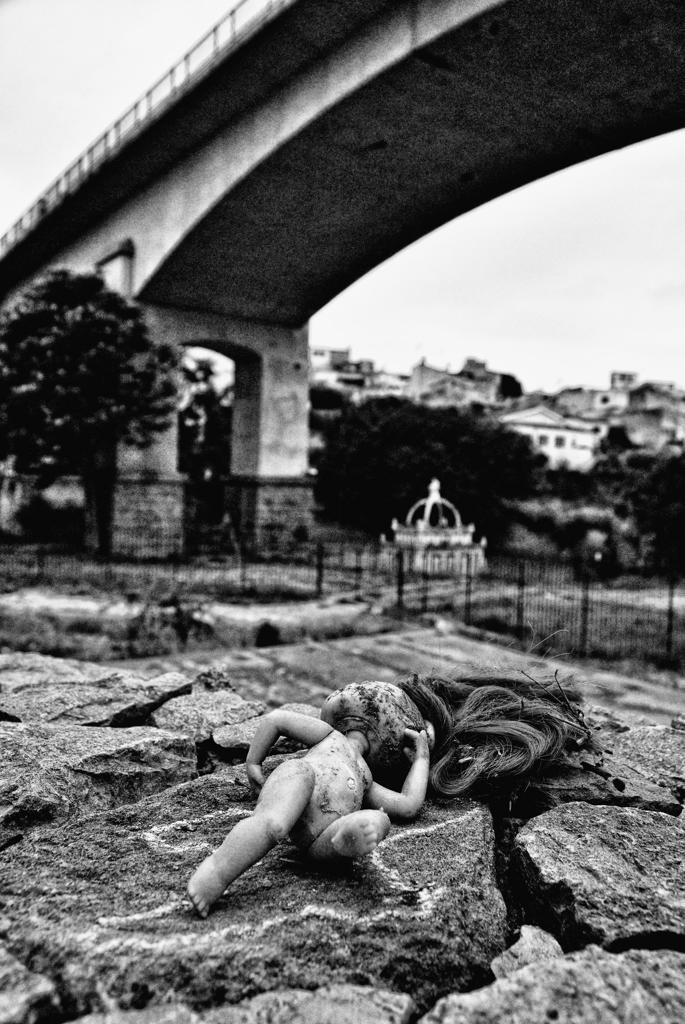 Suicidio dal ponte di Luca Gallozza