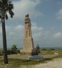 Photo: La Salle statue Indianola