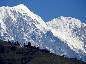 Photo: Les montagnes vues depuis le plateau au-dessus de Chalakharka
