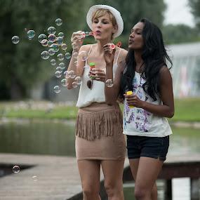 Bubbles by Tom Fensterseifer - People Street & Candids ( munich, park, lake, soap bubbles )