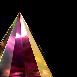 Pyramid by I Snapit - Artistic Objects Glass (  )