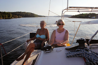 Photo: In the Tromøya sound and getting close to Rørendal. Susanne and Anne.