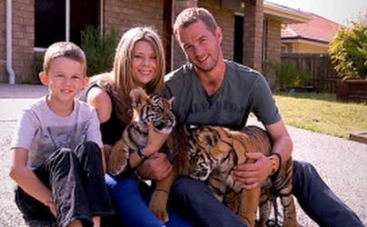 Tigers about the House (S1E1)