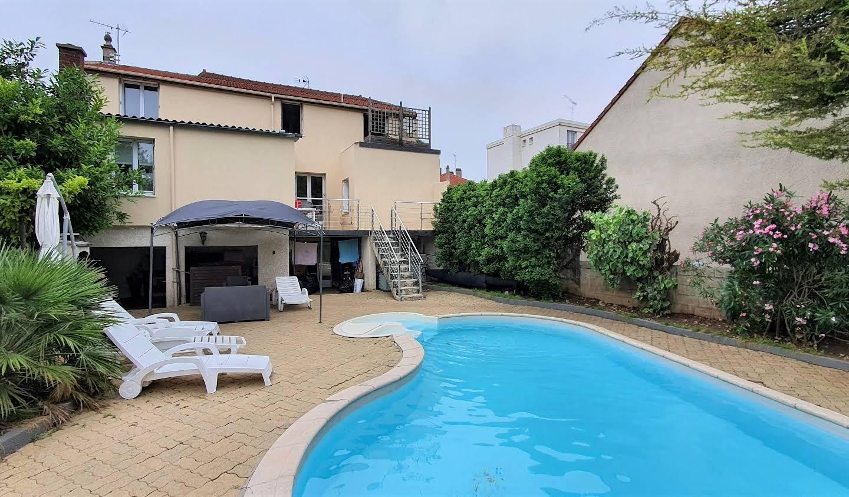 Maison avec piscine et jardin Choisy-le-Roi