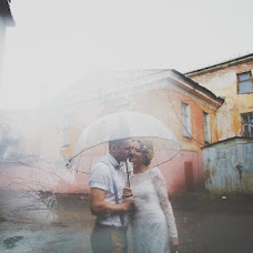 Wedding photographer Katya Nikolaeva (katenikolaeva). Photo of 25.10.2014