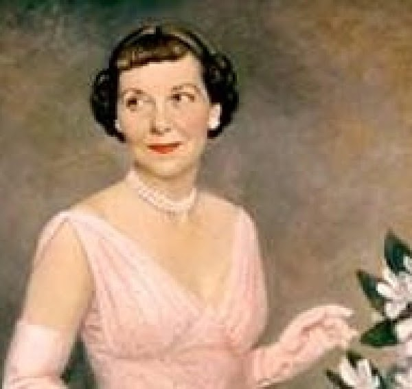 Note: This picture is one of Mamie Eisenhower's official portraits.  FUDGE: Line a 13 by 9...