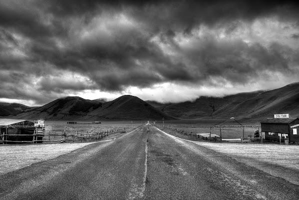 Strada nella valle di enmaster
