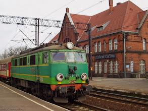 """Photo: EU07-167, P """"Mamry"""" Ełk - Wrocław Główny {Toruń Wschodni; 2004-03-30}"""