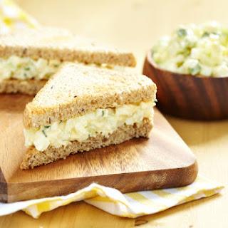 Eggless Raw Salad