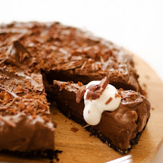Avocado Chocolate Mousse Pie