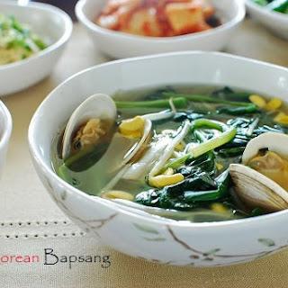 Sigeumchi Doenjang Guk (Spinach Doenjang Soup)