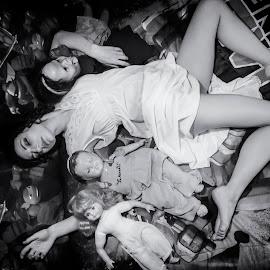 by James Wayne - Black & White Portraits & People ( studio, boudoir, film noir, art, modeling, vintage, portrait, studio shoot )