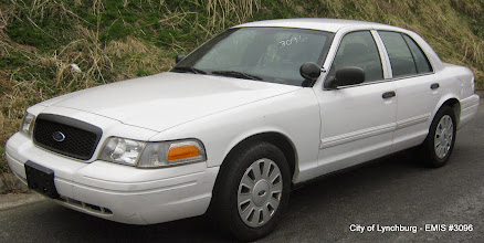 Photo: Lot 14 - (3096-1/1) - 2009 Ford Crown Victoria - 103,329 miles
