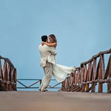 Wedding photographer René Castillejos (ReneCastillejo). Photo of 14.10.2016