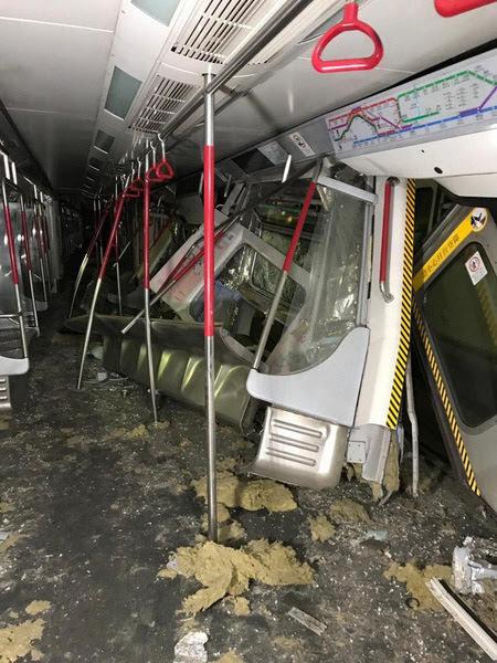 हङकङमा दुई रेल ठोक्कियो… फेरि अर्को दुर्घटना रेलमुनि फसिन् एक महिला