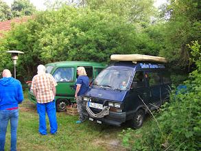 Photo: ......außerdem war auch gar keine Leiter auf der Wiese.....Frank muss sich zwar bücken um da hoch zu kommen,aber Anita hätte die gebraucht  :-)