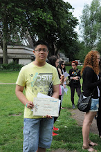Photo: Cenu za 3. místo si převzal David Duong ze třídy 2. A.