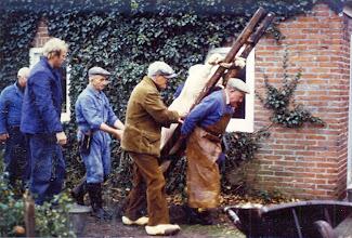 Photo: Het varken op de ladder