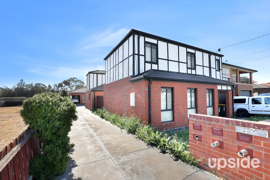 Main photo of property at 2/17 Camperdown Avenue, Sunshine North 3020