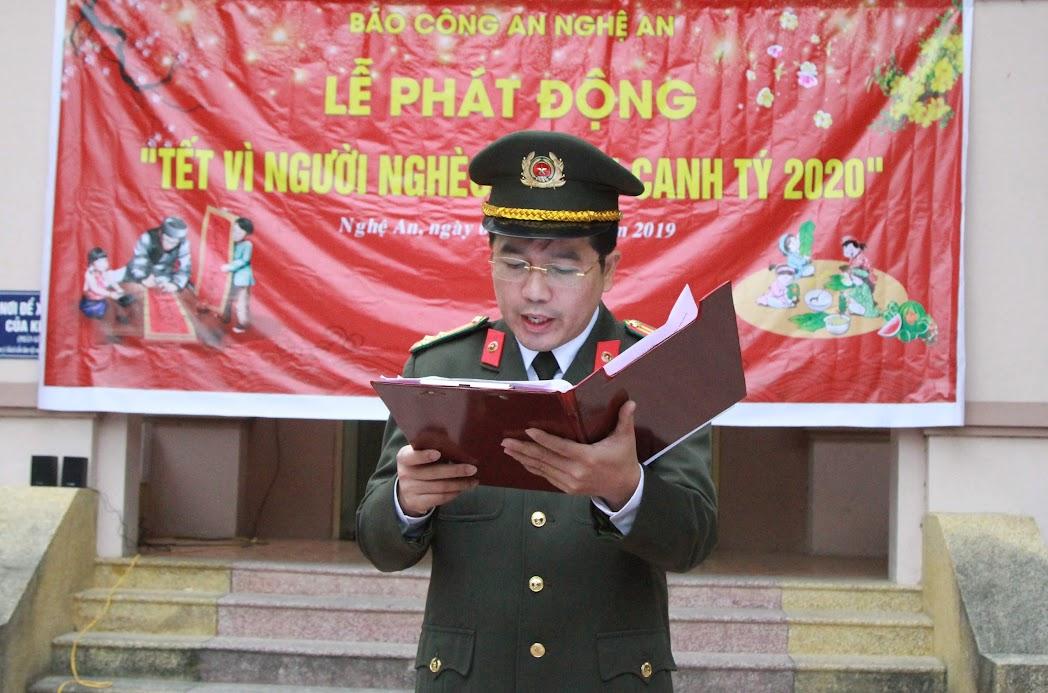 Thượng tá Nguyễn Xuân Thư, Trưởng phòng PX04 (Báo Công an Nghệ An) phát động quyên góp ủng hộ