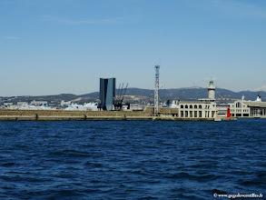 Photo: #017-Le port de la Joliette et la tour CMA-CGM.