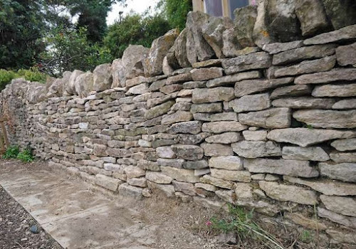 Reconstructed Dry Stone Wall as garden boundary in Dursley
