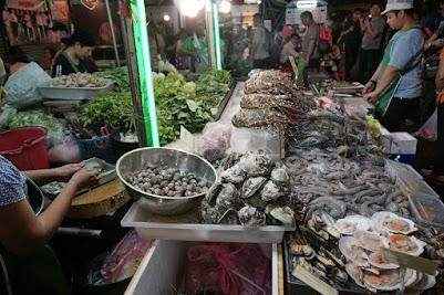 Nachtleben in der Khaosan Road in Bangkok