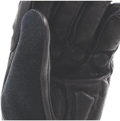 SealSkinz Waterproof Heated Cycle Gloves alternate image 1
