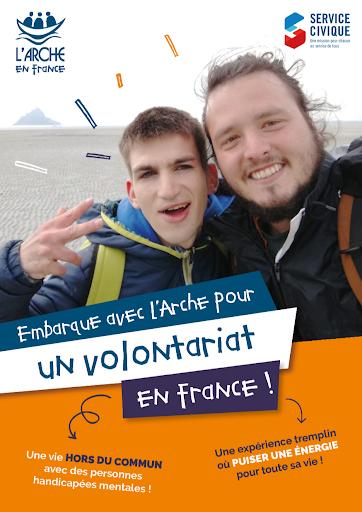 flyer un an à L'Arche en France