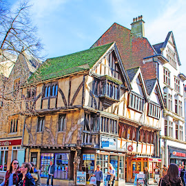 Streets of Oxford by Alexandre Rios - City,  Street & Park  Street Scenes ( photooftheday, england, united kingdom, university, people, scene, oxford, picoftheday, bestoftheday, urban exploration, daylight, uk, houses, daytime, street photography, photography )