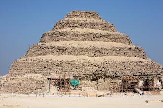 Photo: La pyramide à degrés du roi Djoser