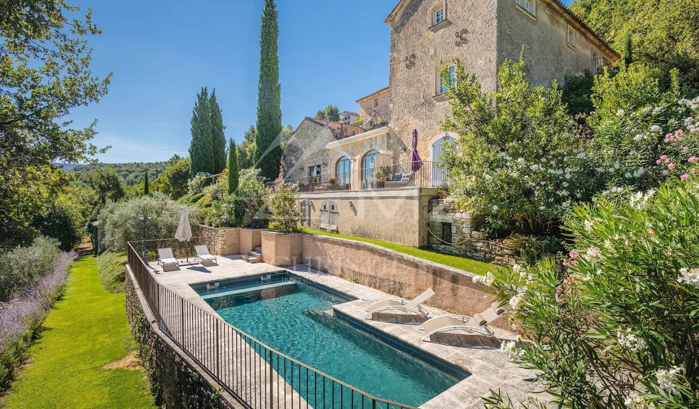 Property with pool Ménerbes