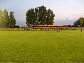 Photo: 12/09/07 v Highworth Tn (Hellenic League Premier Div) - contributed by David Norcliffe