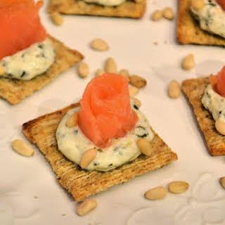 Smoked Salmon with Creamy Pesto Crackers.