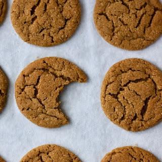 Gingersnaps (Christmas Cookie Week)..