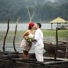 Wedding photographer Gede Suwardana (weddingphotogra). Photo of 06.11.2014