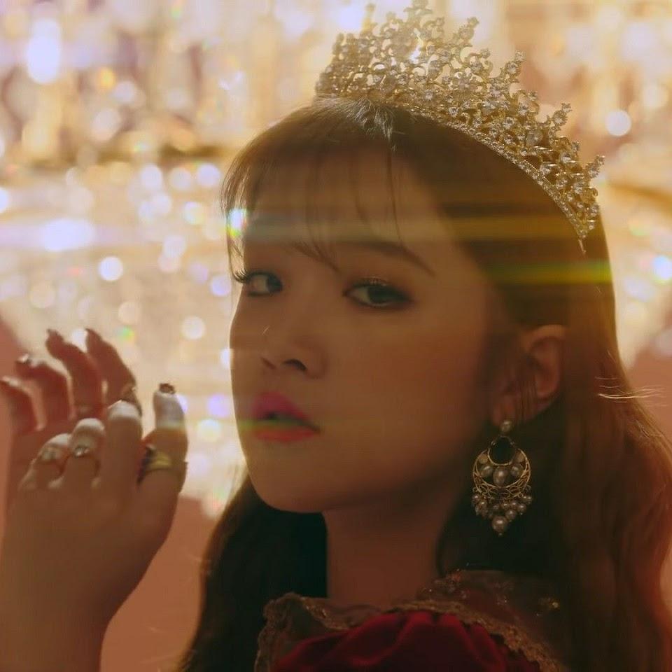 yuqi crown 1