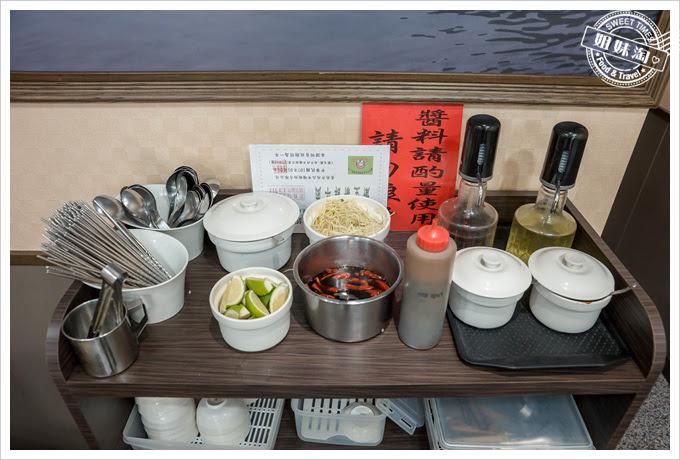 夏龍灣美食環境
