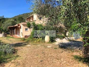 Villa 7 pièces 130 m2